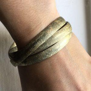Metal gold color texturized interlinked bracelet